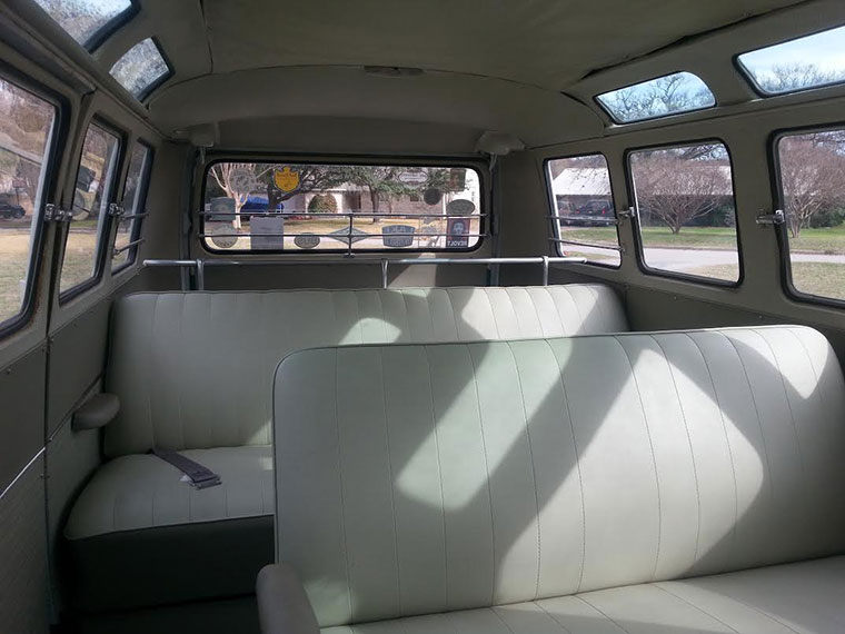 Chris Carter's 1964 21 Window Deluxe