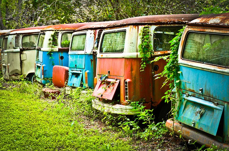 25 VW Bus Graveyard Photos