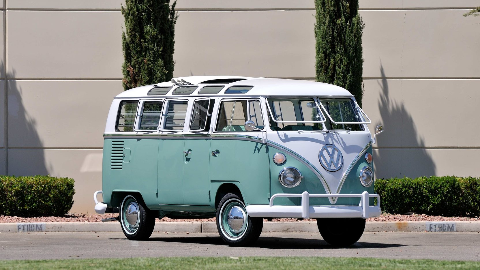 1964 VW 21 Window Bus Turkis/White
